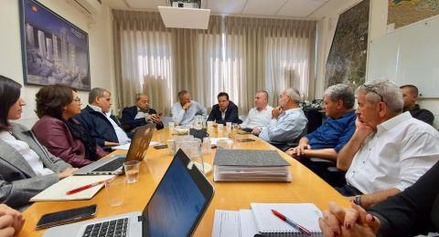 نواب المشتركة ورؤساء بلديات سخنين وعرابة يجتمعون مع مندوبي المالية لتغيير مسار خط الكهرباء