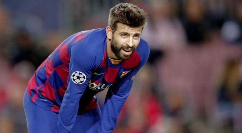 بيكيه يطلب من جمهور برشلونة احترامه