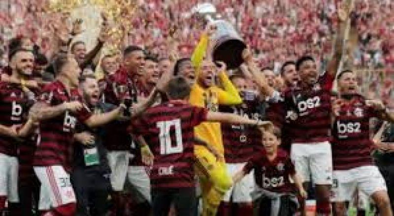 فلامنجو البرازيلي يخطف كأس