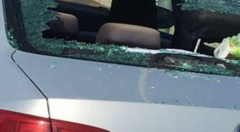 اضراب وردود فعل غاضبة في الفريديس بعد الاعتداء على سيارات المعلمين