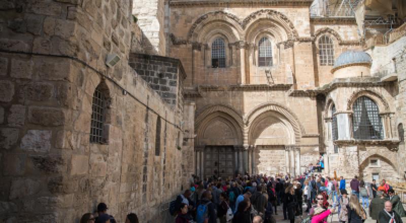 كنيسة القيامة تواصل إغلاق أبوابها لليوم الثالث
