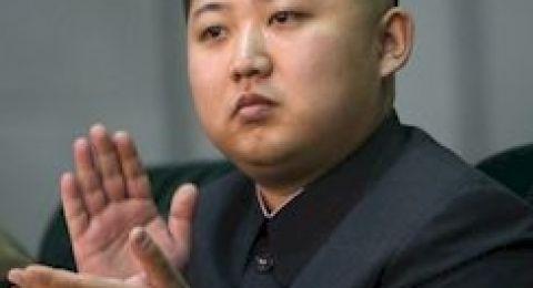 كيم جونغ أون يزور الصين، ويتعهد بنزع السلاح النووي