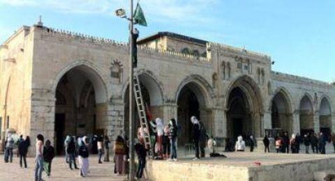 القوات الاسرائيل تمنع فلسطينيين  من أداء صلاة الجمعة في القدس بحجة لقاح الكورونا