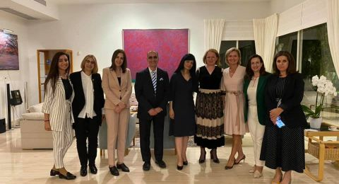 سفيرة فنلندا تقيم مأدبة افطار رمضاني على شرف نخبة من النساء العربيات
