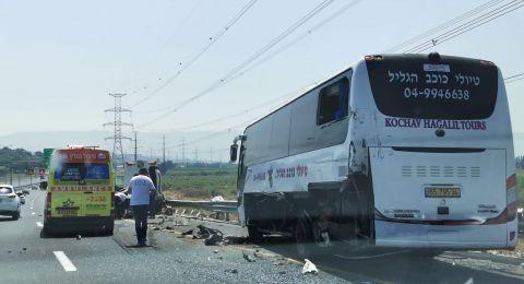 18 إصابة بحادث قرب حيفا .. وعدة إصابات بحوادث طرق وعمل في مختلف المناطق