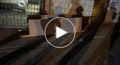 (فيديو) تابوت ورصاصات...امام منزل طبيب في الطيبة!