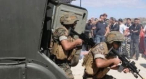 انتحاريون يهاجمون الجيش اللبناني أثناء مداهمته لمخيمين للاجئين السوريين