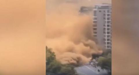 غبار أصفر مختلط بالغاز يخلي 800 أسرة صينية