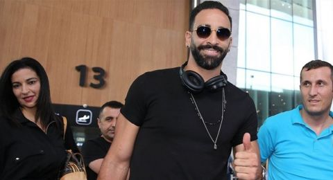 عادل رامي ينضم إلى فنربخشة التركي