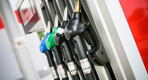 ابتداء من الأحد القريب: انخفاض ملحوظ في سعر الوقود