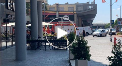 تخليص طفلة تم نسيانها داخل سيارة في بيج كرمئيل