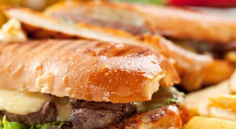 اليكم طريقة ساندويش اللحم الإيطالي