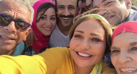 سيلفي منة شلبي وليلى علوي بالحجاب