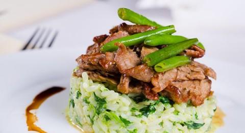الأرز الأخضر باللحم للرجيم
