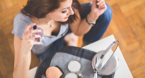 طريقة إخفاء شعر الوجه بالمكياج