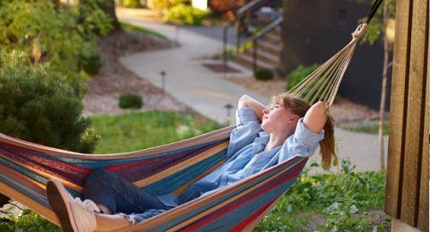 أفكار ديكور للجلسات الخريفية بحديقة المنزل