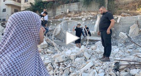 القدس: بلدية القدس تهدم بناية سكنية في مخيم شعفاط بحجة عدم الترخيص