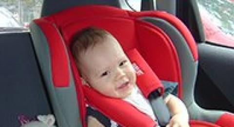 72% من مقاعد امان الأطفال في السيارة تستخدم بطريقة تعرّض الاطفال لخطر حقيقي
