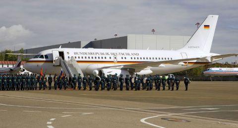 وسائل إعلام ألمانية تكشف عن تفاصيل حادث طائرة ميركل