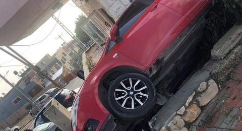 عين ماهل: انقلاب سيارة دون وقوع اصابات