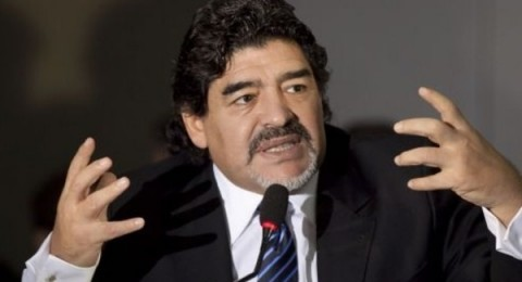 مارادونا يتهم مسلسلاً إيطالياً بالإساءة لصورته
