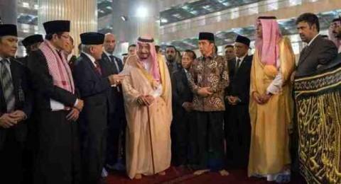 ما لا تعرفه عن حزام الكعبة الذي أهدى به الملك سلمان مسجد الاستقلال الإندونيسي