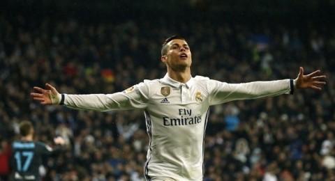 رونالدو يزيح ميسي عن قائمة الأكثر دخلا في العالم!