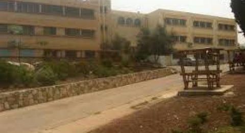 دبورية تقرر عدم فتح مدارسها للدراسة