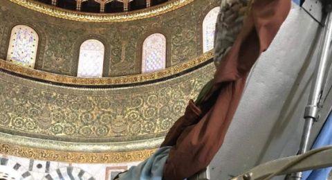 حلم شاب مُقعد من جنين يتحقق بزيارة المسجد الأقصى