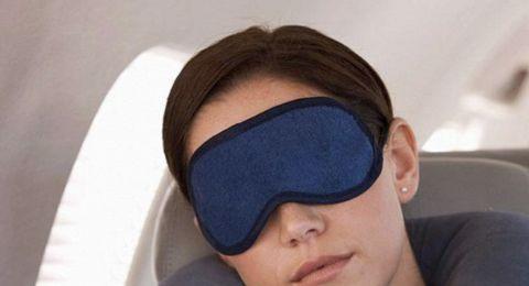 حيل ذكية تساعدكم على النوم خلال الرحلات الطويلة.. جربوها!