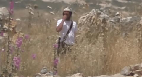 المستوطن الذي تم تصويره وهو يشعل النار بالقرب من يتسهار، هو جندي في إجازة