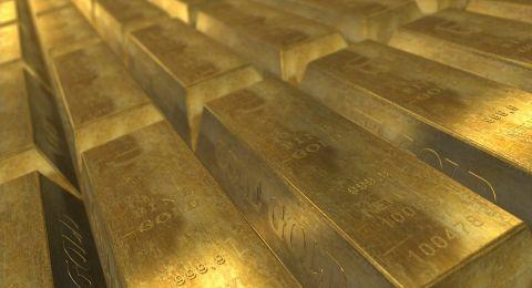 الخلاف التجاري بين أميركا والصين يصعد بالذهب