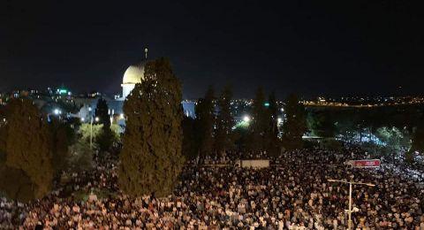 أكثر من 400 ألف مُصل يحيون ليلة القدر في رحاب الأقصى