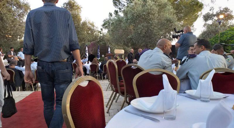 المئات في مأدبة الأفطار التي ينظمها رئيس الدولة