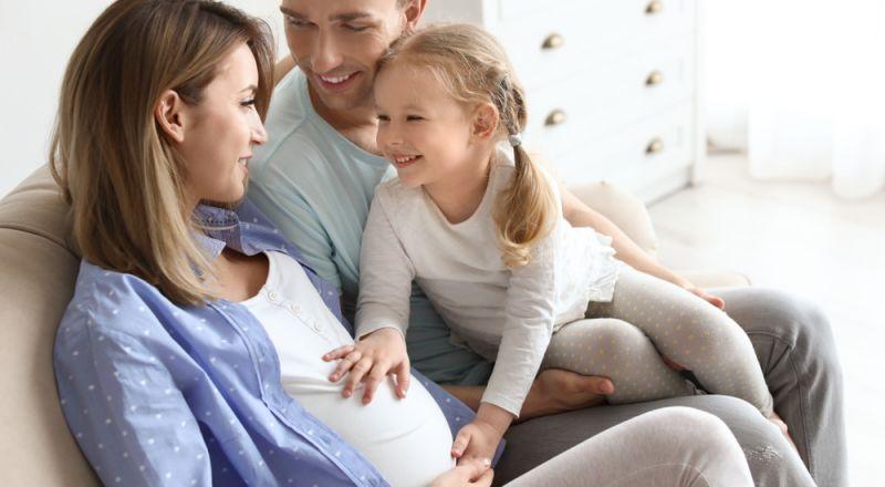 كيف تجعلين الجنين في الشهر الثالث يتحرك؟