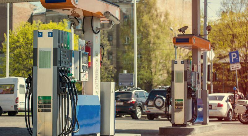 بعد سلسلة من الارتفاعات- اليوم تتراجع أسعار الوقود