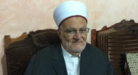 الشيخ عكرمة صبري يحث على دفع صدقة الفطر قبل نهاية رمضان