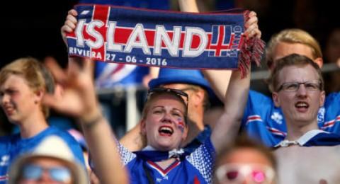 """""""لا توقظوني مطلقاً"""" شعار احتفالات أيسلندا بعد إقصاء إنجلترا"""