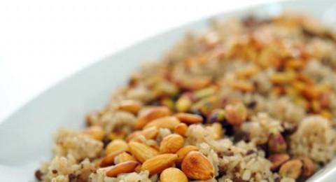 طبق اليوم .. أرز بكبدة الدجاج واللوز