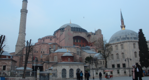 البطريركية اللاتينية في القدس تعلق على تحويل آجيا صوفيا إلى مسجد