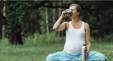 هل يفيد الشاي في تعزيز خصوبة النساء؟