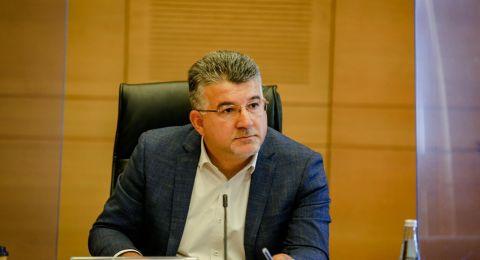 وزارة المالية تتعهد للنائب جبارين: 900 مليون من أجل توفير الحواسيب للطلاب وحوسبة المدارس