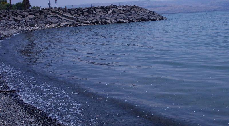 انقاذ شاب عربي من الغرق في طبريا
