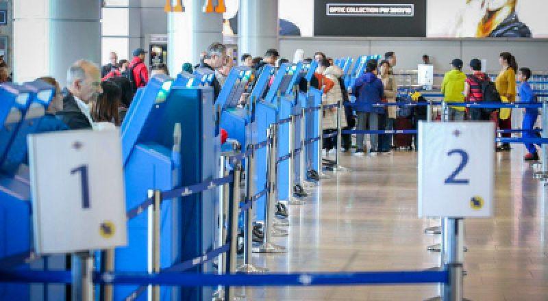 عودة حركة الطيران قريبًا، والصحة توصي بتقليص أيام الحجر الصحي