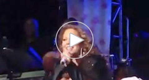 بالفيديو: ماريا كاري تسقط على المسرح في سنغافورا