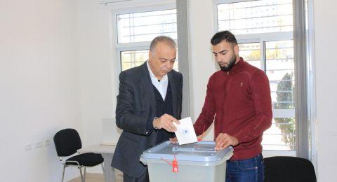 فتح صناديق اقتراع انتخابات غرفة تجارة وصناعة محافظة رام الله والبيرة يتنافس عليه 24 مرشحاً