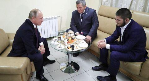 المقاتل الروسي نورمحمدوف يوجه سؤال لترامب