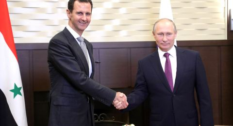 سوريا ترد بشدة على تصريحات ماكرون حول التطبيع مع