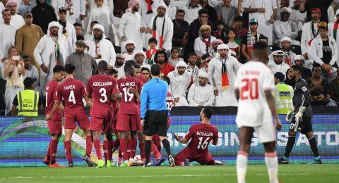 قطر تفاجئ الإمارات بفوز عريض وتواجه اليابان في نهائي كأس آسيا 2019