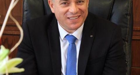 سخنين: د. ابو ريا يوقف اجرائات التنظيم والشرطة تجاه ألاكشاك ومصالح اخرى